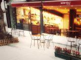 Bostancı Marmaray'ın tam önünde, setlere günlük kiralık cafe